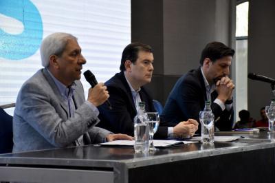 El gobernador asistió al Encuentro Regional de Profesionales del Frente de Todos
