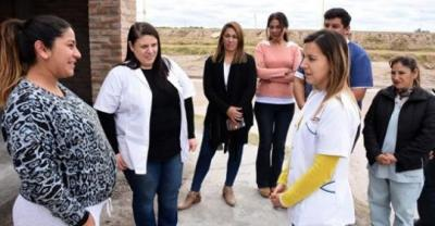 """Integrantes del Programa """"Mis primeros 1700 días"""" realizan visitas domiciliarias en La Católica"""