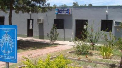 Allanamiento en el barrio 50 viviendas de Forres: una mujer detenida por quedarse con los haberes de una jubilada