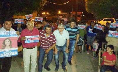 Mario Yocca recorre barrios y parajes de Fernández llevando la propuesta del Frente Cívico