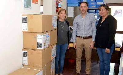 Araujo visitó el Hospital e hizo entrega de equipos de aire acondicionado