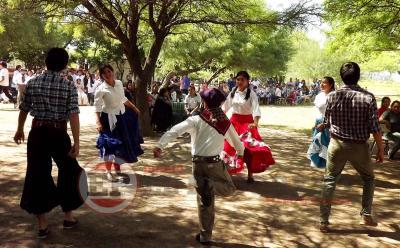 Fernández: A la sombra de algarrobos celebraron el día de la Tradición Argentina