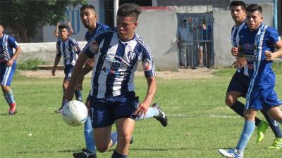 Sportivo goleó por 4 a 1 a Sarmiento y pasó a semifinales
