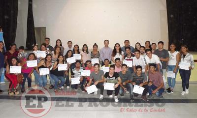 Jóvenes de Fernández fueron capacitados para introducirse al mundo laboral