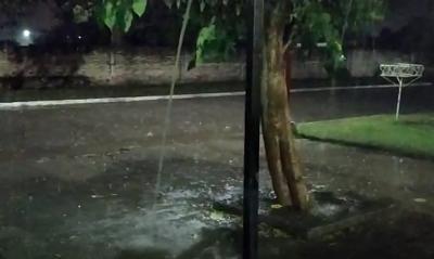 Vídeo: Abundante lluvia y granizo en Beltrán