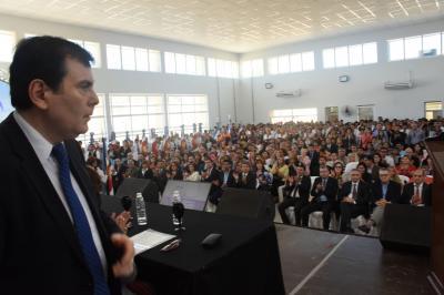 En el cierre del ciclo lectivo el Gobernador inauguró cinco establecimientos educativos