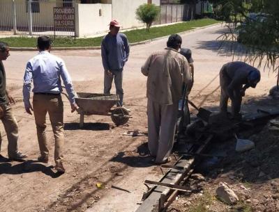 Araujo visitó obras de pavimentación en el Barrio Hospital