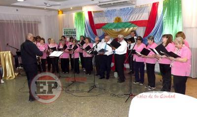 Cierre de Ciclo: Fernández tuvo una magnífica noche de espectáculo coral