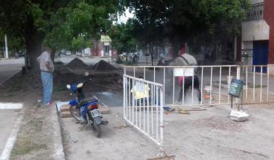 Fernández: Continúan los arreglos de calles y las mejoras en el alumbrado público