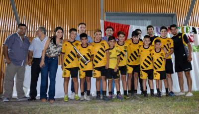 Niños de Fernández vivieron una verdadera fiesta deportiva en la final del «Baby Futbol»