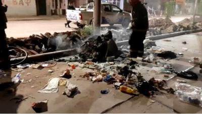 De terror: desalmados intentaron quemar vivos a cuatro cachorritos en un contenedor de basura