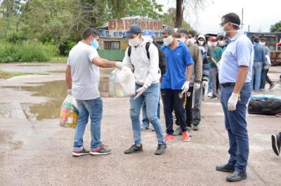Llegaron a Fernández los trabajadores golondrinas que estaban varados