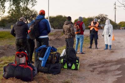 En Fernández hay 67 personas aisladas y en horas arriban otras 17 desde Rio Negro