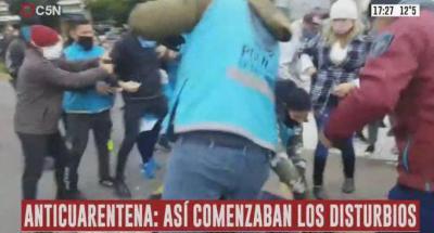 Anticuarentena: Provocaron disturbios en una marcha en el obelisco