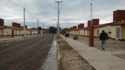 El Gobierno de la provincia comenzó con la entrega parcial de las 875 viviendas