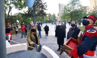 El acto central por el Día de la Independencia en Santiago del Estero se realizó en la Plaza Libertad
