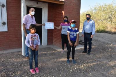 Familias de Villa Atamisqui recibieron viviendas sociales