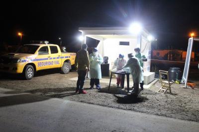 Camiones secuestrados y vecinos aislados es el resultado un operativo en Colonia El Simbolar