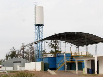 Una nueva obra optimiza el servicio de agua potable en Colonia El Simbolar
