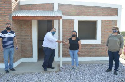 El Intendente Miguel Álvarez entregó viviendas sociales en La Florida