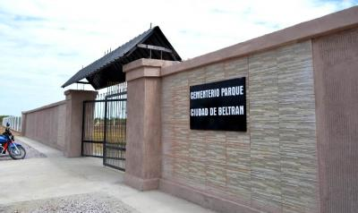 Con la presencia del intendente se habilitó el nuevo cementerio parque de Beltrán