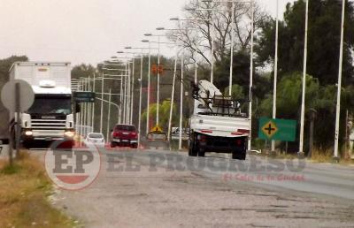 Departamento Robles: Simularon ser policías, asaltaron a un camionero y le robaron $250.000