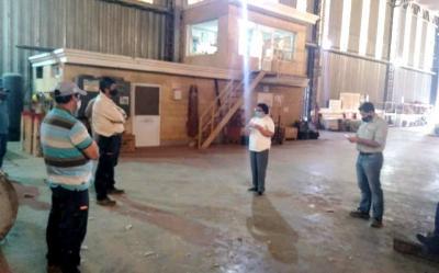 Personal de hospital zonal y de la seccional 35 visitaron la desmotadora de algodón