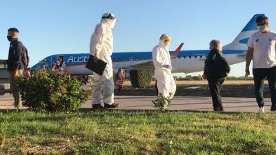 Después de casi siete meses volvió el servicio de transporte aéreo a Santiago del Estero