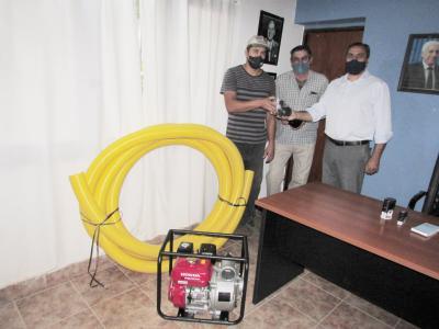 La comisión municipal de Colonia El Simbolar adquirió una motobomba