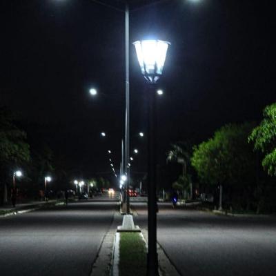 Ponen en funcionamiento 10 farolas con iluminación LED sobre calle 25 de Mayo