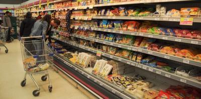 El ministro Niccolai se refirió a la entrega de la Tarjeta Alimentar