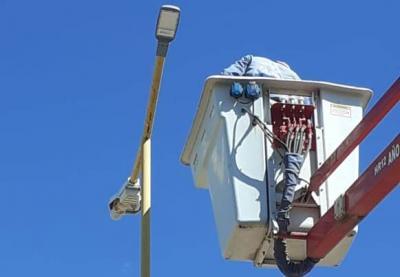 Avanzan en  la reconversión lumínica led en diferentes calles de la localidad de Taboada