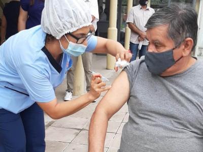 Continua la vacunación Covid-19 a mayores de 70 años residentes en centros de larga estancia