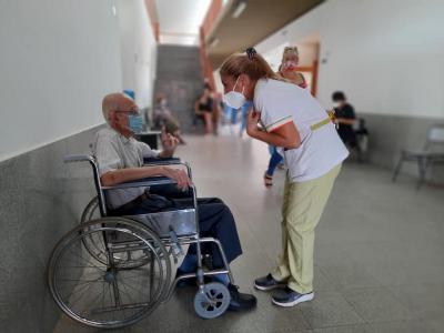 La vacunación de mayores de 70 años continuará este jueves y viernes