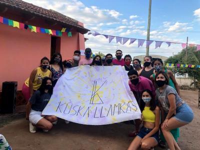 Niños del barrio Villa Aurora fueron sorprendidos con una merienda solidaria