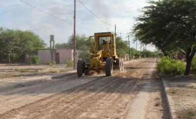 Intensifican el mantenimiento de calles en Colonia El Simbolar