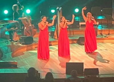 """Las Mullieris brillaron con su música en el Auditorio Nacional """"Ballena Azul"""" del CCK"""