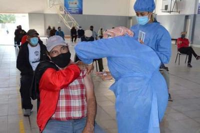 Vacunación a personas con factores de riesgo de 18 a 59 años