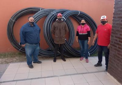 El intendente Miguel Álvarez concreta la extensión de la red de agua potable para vecinos de parajes