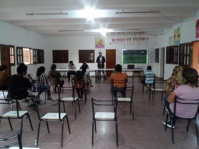 Ultiman detalles para el dictado de clases de inglés de forma gratuita en Beltrán