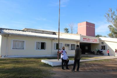 Realizan tareas de refacción en escuelas de Colonia El Simbolar