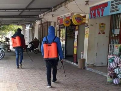 Despliegan un operativo de desinfección en comercios de Beltrán