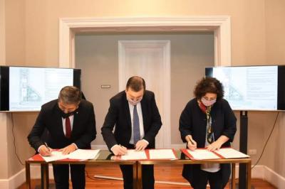 Firman carta intención para la construcción de un Hospital universitario de clínicas en Santiago del Estero