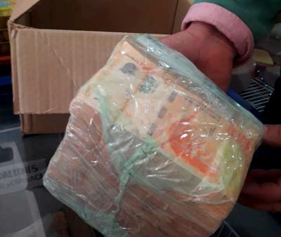 Comerciante de Fernández encontró varios fajos de dinero y los devolvió a su dueño