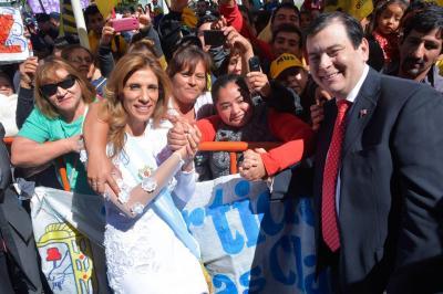 La Gobernadora recibió el cariño de miles de Santiagueños