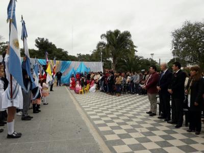 Forres: En la plaza las Américas conmemoraron el 25 de mayo de 1810