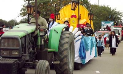 """Con un espectacular desfile Fernández dio el grito de """"viva la patria"""""""