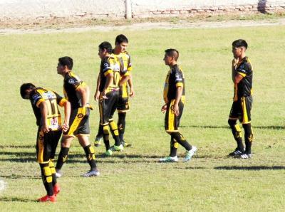 Independiente(F) y Central Argentino protagonizaron un agónico empate en la primera final