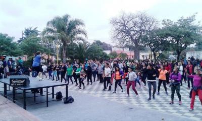 Baile y Fitness al aire libre en los festejos por el aniversario de Forres