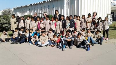 Alumnos del colegio San Francisco de Asís de Fernández visitaron Santiago